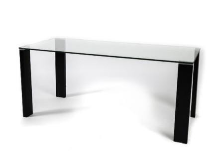 Arca dining table (black legs)