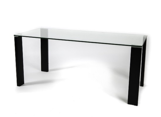 Arca dining table (black legs)