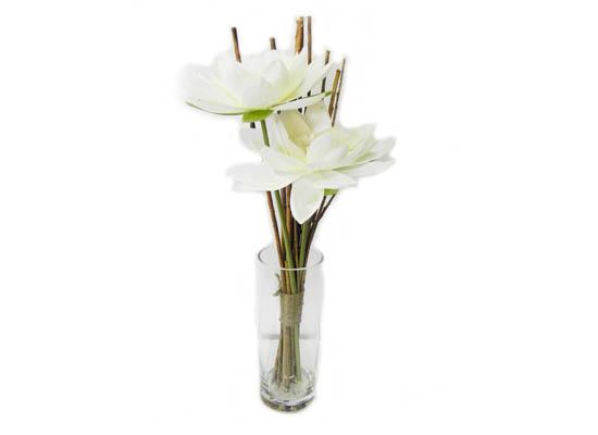 lilies (flo 107)